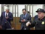 Надежда Савченко спела в суде!
