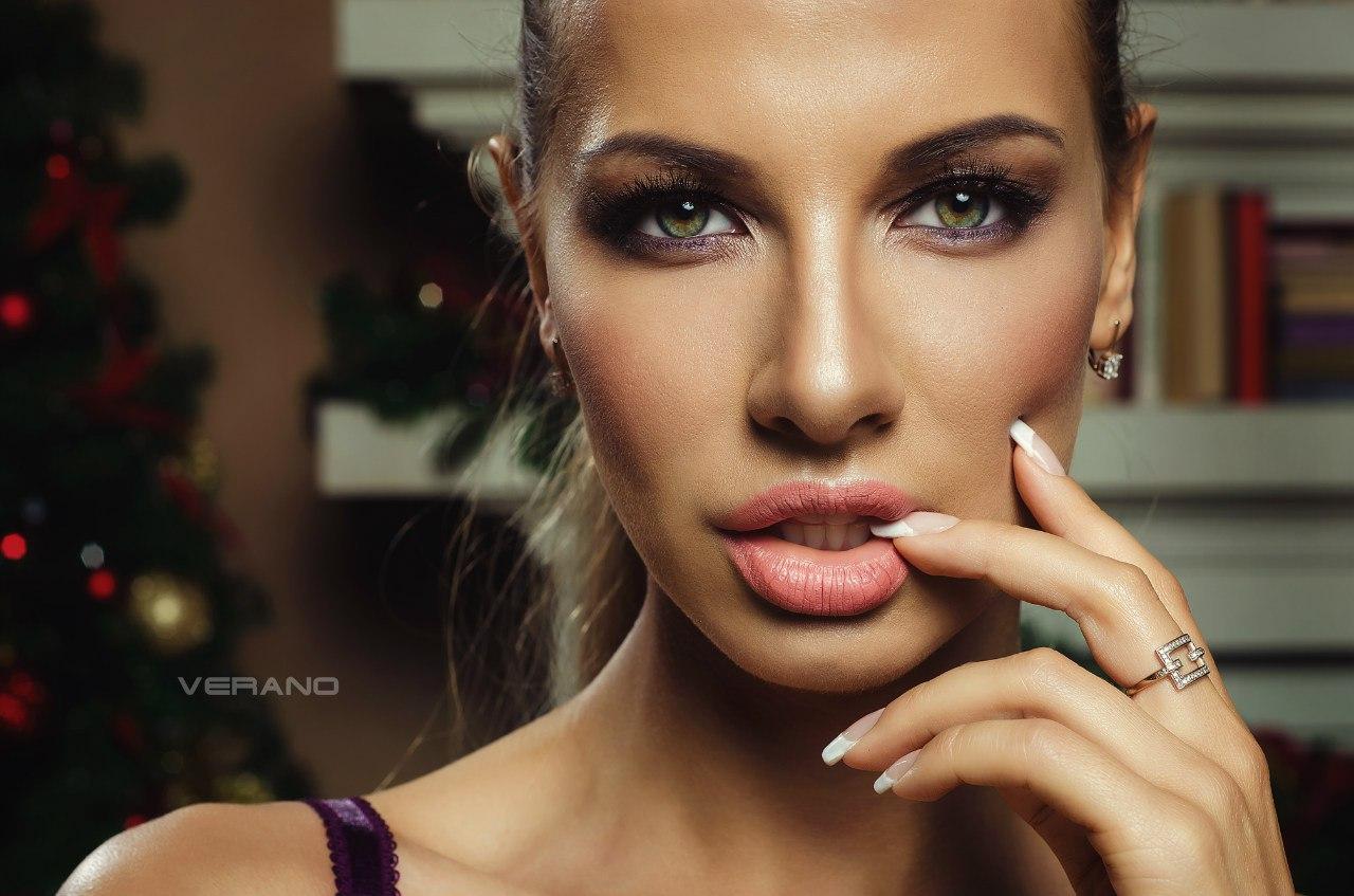 Katerina Rubinovich Nude Photos 11