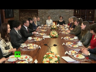 Дмитрий Медведев поздравил с наступающим 8 марта представительниц науки и бизнеса