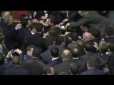 Драка в Верховной Раде. Барна vs Яценюк  [  от 11.12.2015  ]