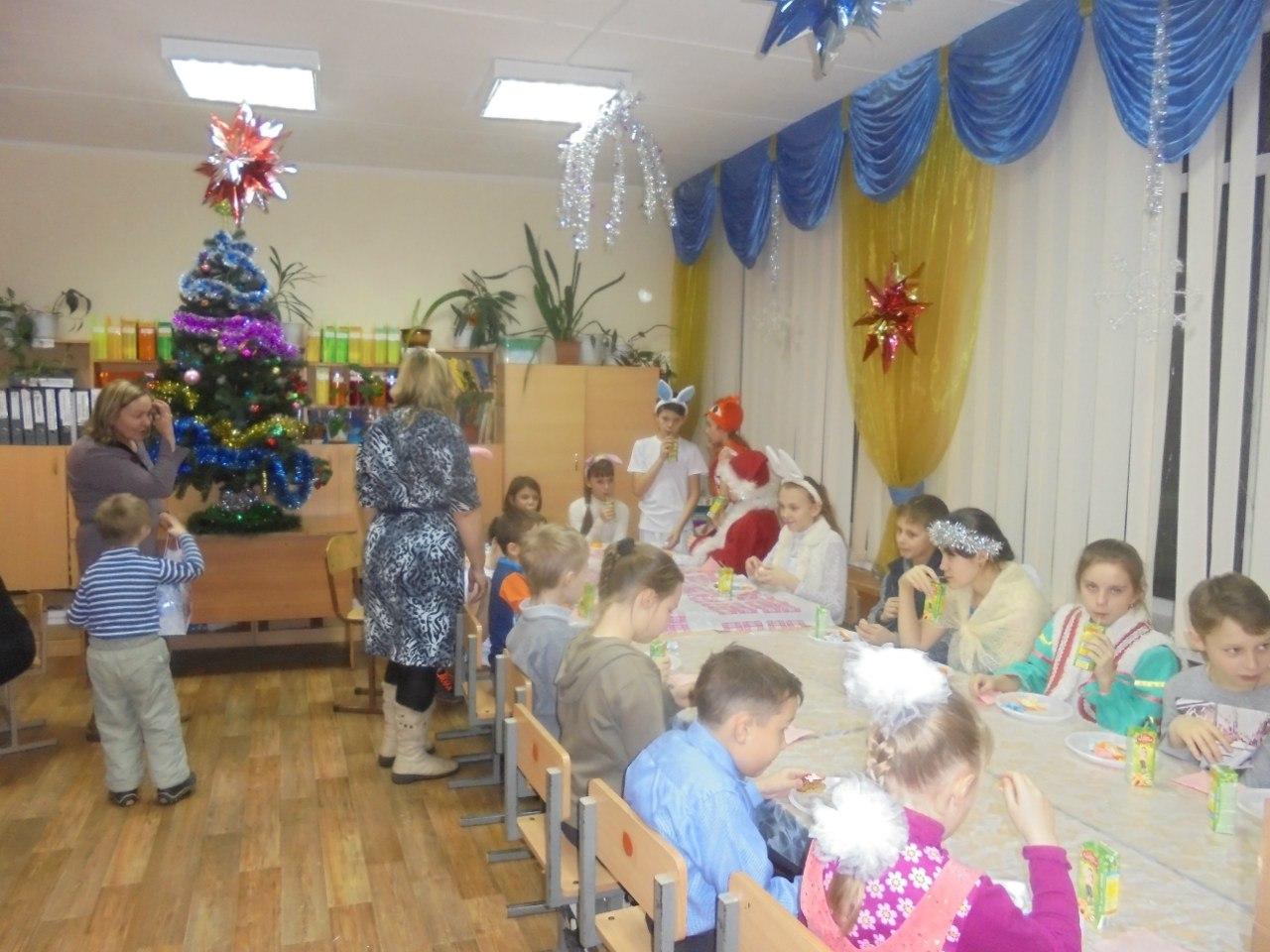 """""""Колобок на новый лад"""" поздравил детей с Новым годом!"""