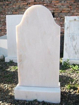 Памятники из граниты дешевые в Кызыл ритуальные памятники цены услуги цены