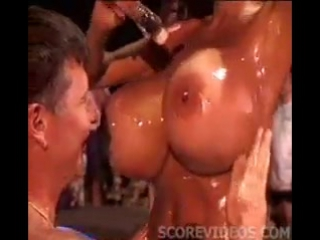 Big boobs oil [Plastic Bimbos]