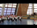 Общий танец школы черлидинга