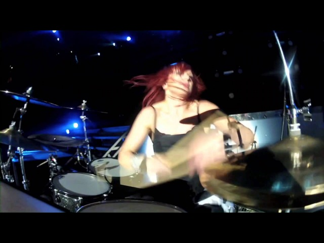 Skillet - Whispers In The Dark (Awake Live HD 1080p)
