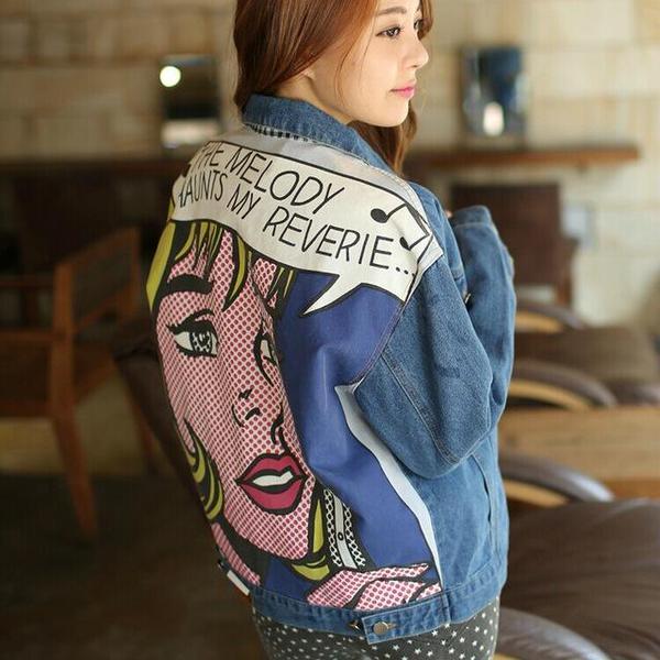 Джинсовая женская куртка с рисунком