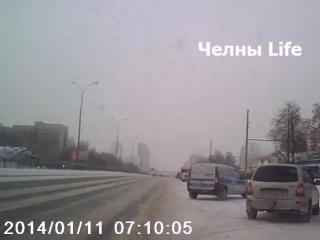 Влетел в ограду! Проспект Хасана Туфана. 30/01/06