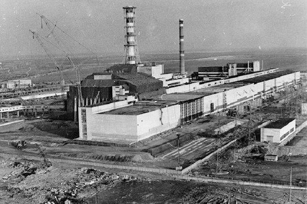 Спустя десять дней после катастрофы в Чернобыле возникла угроза ещё одного масси...