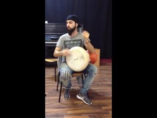 Маэстро Tayfun Ates играет на дохоле 11