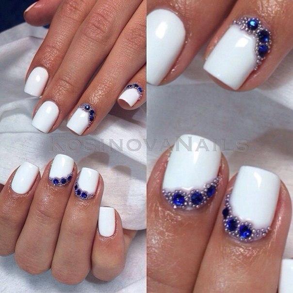 Фото ногти стразы бульонки на
