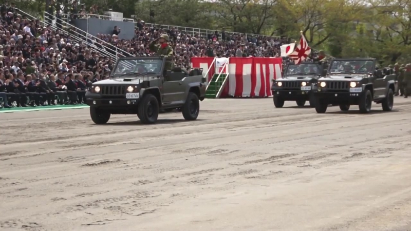 平成25年 練馬駐屯地創立記念行事 観閲行進 10式戦車登場