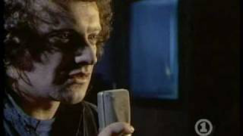 Foreigner - 'I Want To Know What Love Is' [Official Music Video]