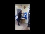 Быдло получает по морде от врача скорой помощи