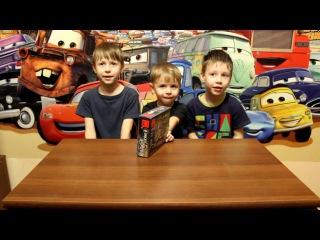 Собираем Конструктор типа Лего Рыцари. Kids are building Lego Knights Arena 3Д Братики