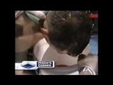 Робби Педен блюет кровью после удара по корпусу от Хуана Мануэля Маркеса