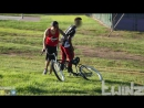 Велосипед приманка или как обмануть вора /TwinzTV/ BAIT BIKE IN THE HOOD PRANK