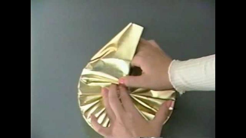 プレゼントの包み方 - 丸い箱を包む