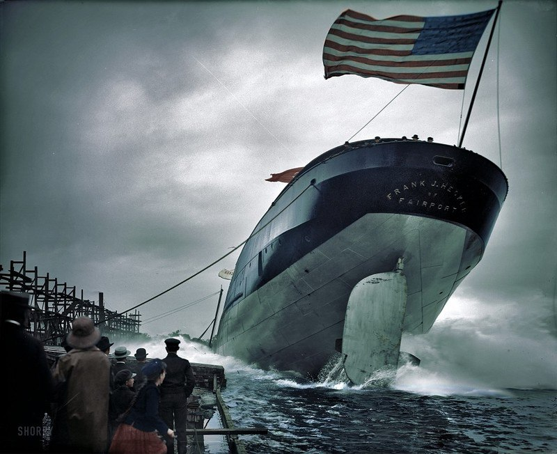 """Спуск на воду парохода """"Frank J. Hecker"""". Сэйнт-Клэр, Мичиган, 2 сентября 1905 года."""