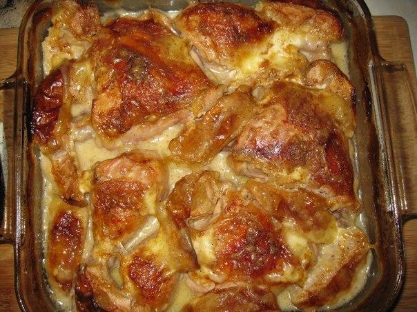 Курица с картошкой и сметаной в духовке рецепт