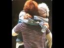 BIGBANG - G-Dragon hugged Daesung (FM in Nagoya 30.04.2016)