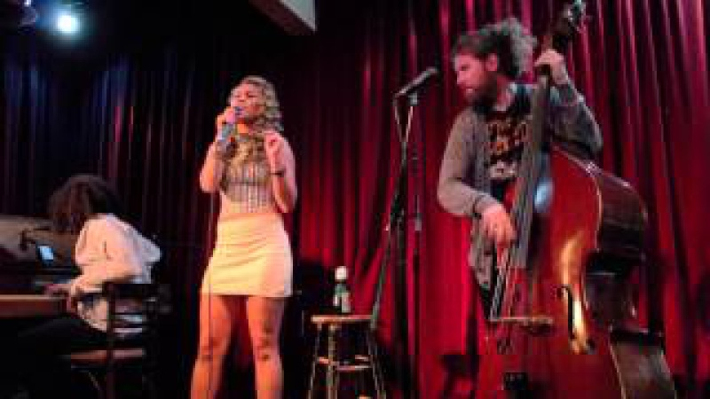 Haley Reinhart Casey Abrams - The Way You Make Me Feel [On MJs B-day!]
