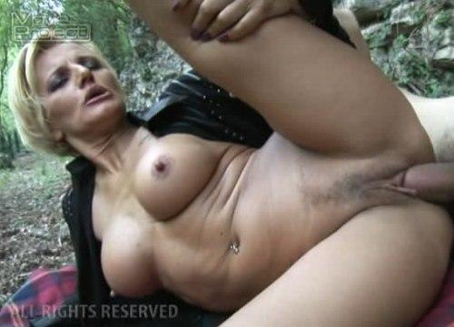 Жёсткий секс со зрелыми
