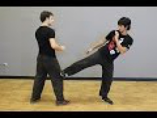 How to Quickly Attack and Retreat with Jeet Kune Do Pendulum Step