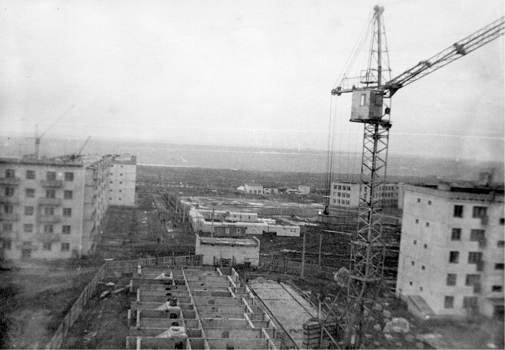 Строительство 26-го дома во 2-м микрорайоне. 1978 год