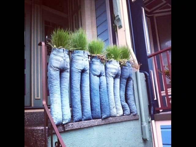 Как сделать клумбу своими руками из старых джинсов