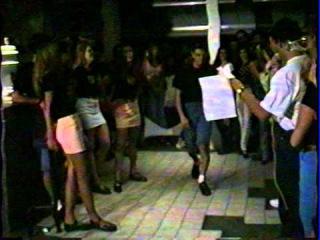 Primeiro Desfile da Supermodelo Adriana Lima, aos 13 Anos!