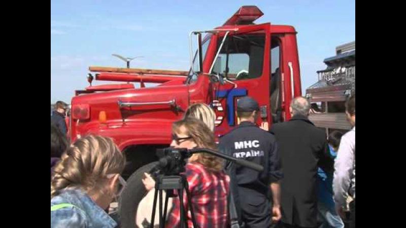 З нагоди Дня пожежної охорони відбувся парад пожежно-рятувальної техніки