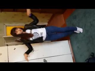 типичная таджичка (таджичка научила русскую девушку таджикские танцы)