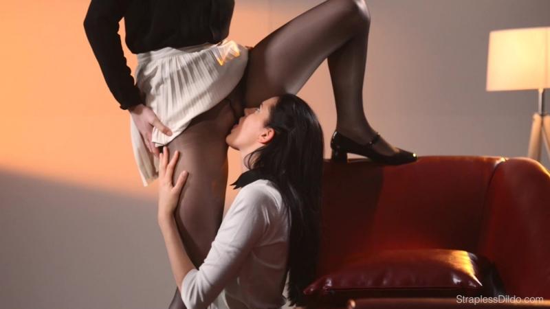 Муж лижет письку русской жене до оргазма - HD порно видео