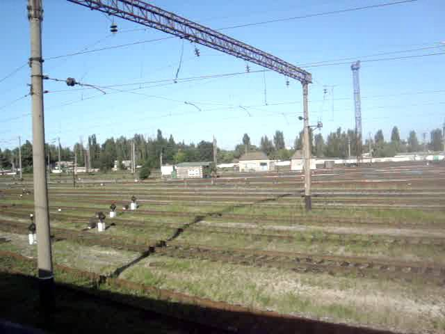 Прибытие на станцию Джанкой из окна ночного скорого поезда №132131 Симферополь-Хм...