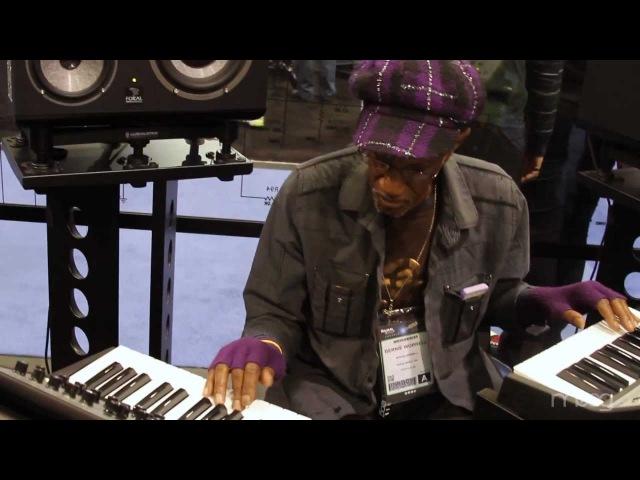 Stevie Wonder Friends | Moog Sub Phatty