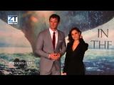 Шарлотта Райли и Крис Хемсворт на премьере фильма «В сердце моря» в Лондоне