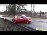 Поляк водит легендарную ралли-машину Фиат 126 как бог / A pilot achieves incredible prowess aboard a Fiat 126 during a rally
