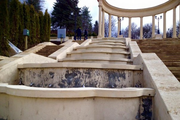 Губернатор СК Владимир Владимиров обратил внимание, что сведения о некачественном ремонте Каскадной лестницы в Кисловодске, что был выполнен в прошлом году, сейчас распространяются в интернете.