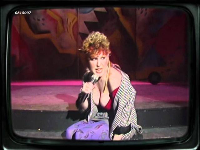 Bette Midler - Beast Of Burden (Rolling Stones) (1984) HD 0815007