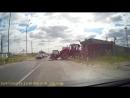 Необычная авария на ЖД переезде