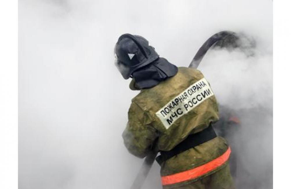 В частном домовладении станицы Зеленчукской сгорела надворная постройка