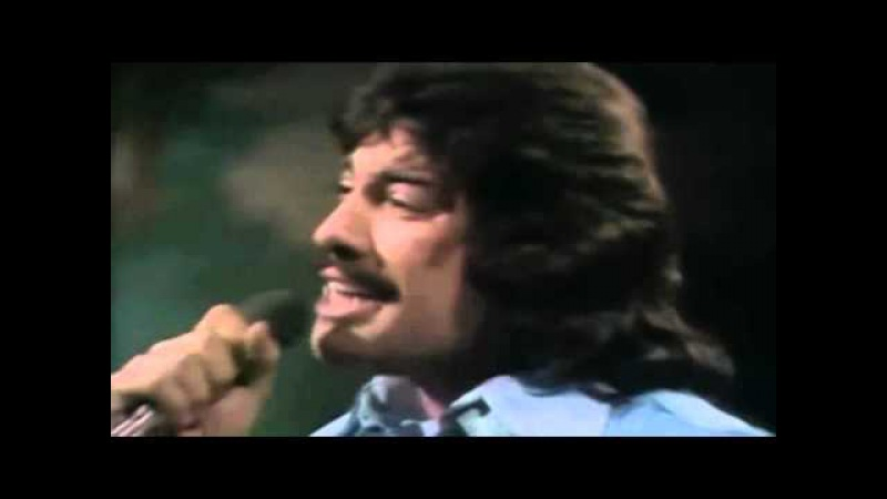 Tony Orlando Dawn ~ Tie a Yellow Ribbon Round the Ole Oak Tree