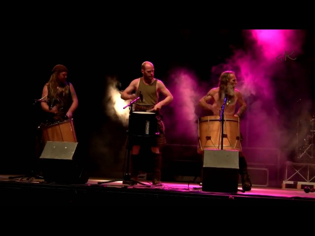 Celtica VDA 2010 ~ CLANADONIA Live HD Peuterey Stage Valle d'Aosta Italy