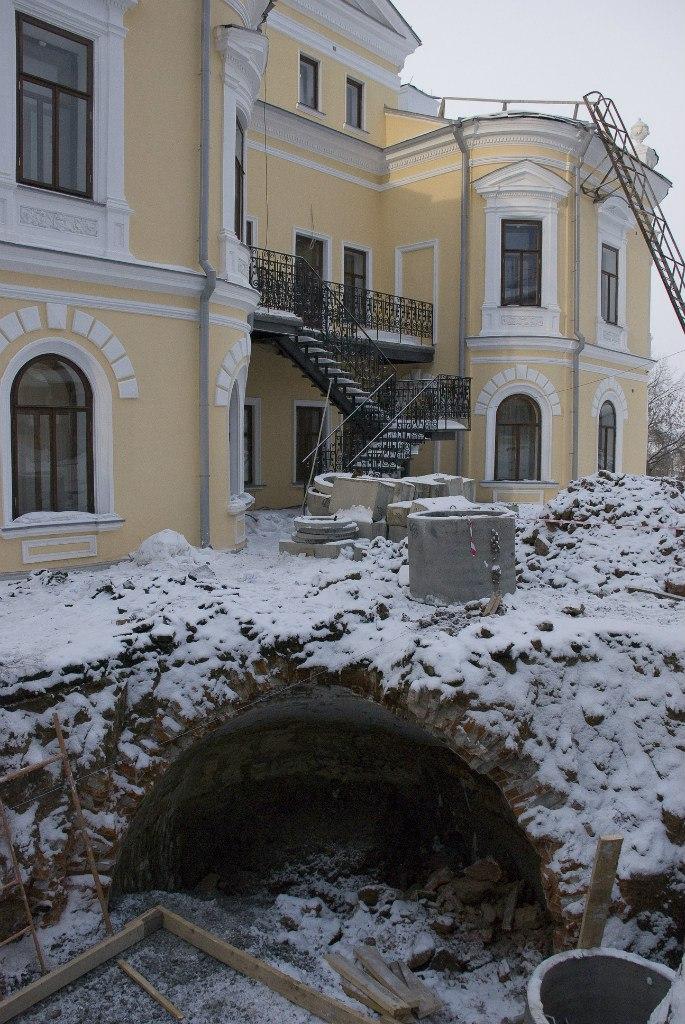 Подземелья у дома Мешкова