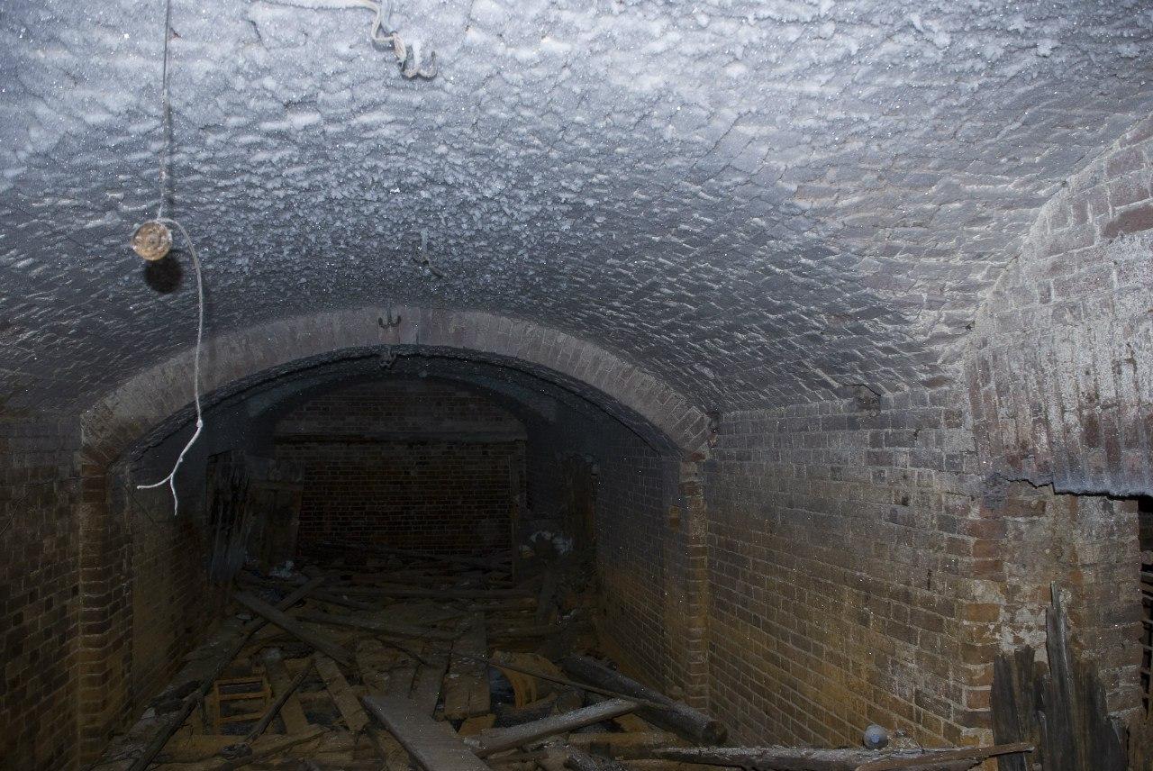 Уничтоженные подземелья под домом Поклевских-Козелл на улице Пермская