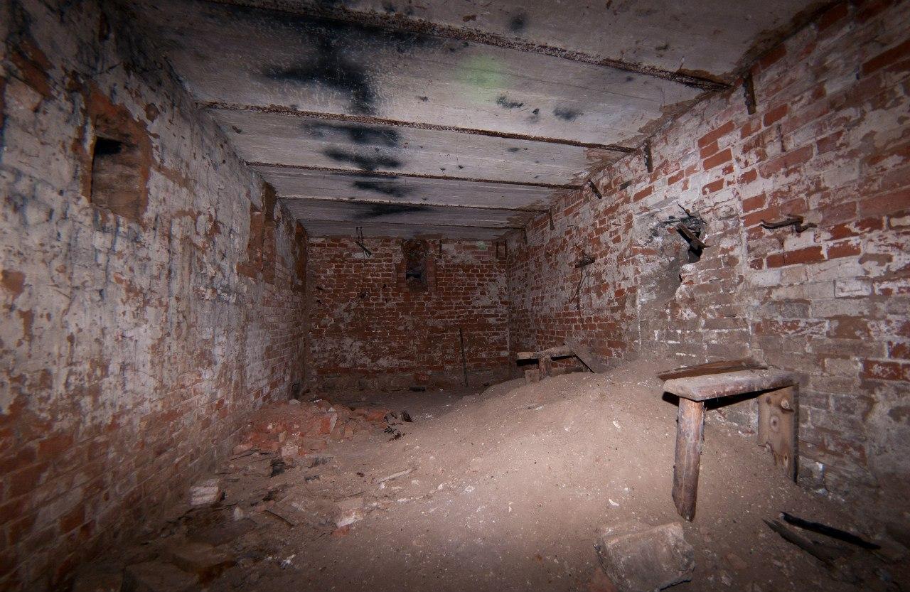 Под снесёнными Архиерейскими домами на Окулова