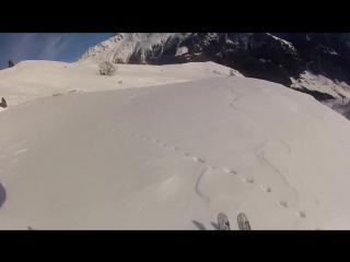 Скоростной спуск на лыжах и полет