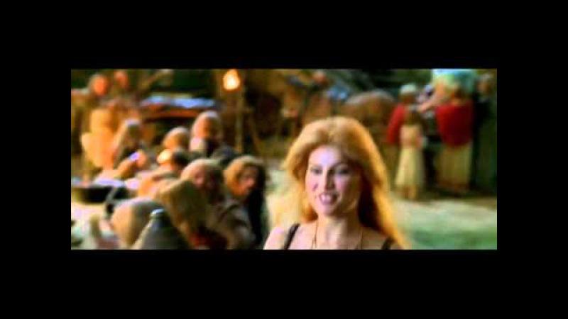 Laetitia Casta (Falbala) in Astérix Et Obélix Contre César 1999 - part 15