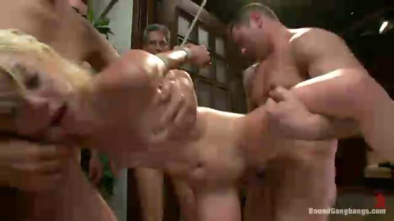 Порно очень жестко изначиловали в хорошем качестве фотоография