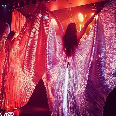 выступление восточных красавиц Линда Шоу в клубе Вирджинс